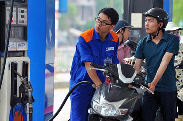Ngày mai (16/3), giá xăng có thể giảm mạnh xuống còn 16.000 đồng/lít?