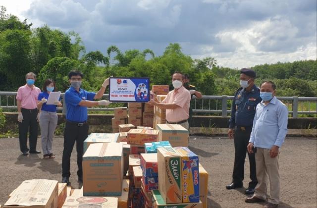 Thanh niên Bình Phước trao nguồn lực hỗ trợ tỉnh Mondulkiri, Campuchia chống Covid-19