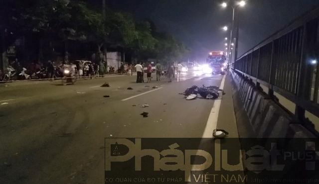 TP HCM: Chạy xe máy vào làn ô tô, 1 người tử vong sau va chạm