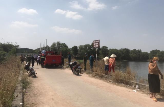 Bình Dương: 2 cháu bé tử vong do đuối nước khi tắm hồ Phú Tân