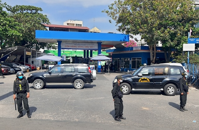 Đang kiểm tra cửa hàng xăng dầu ở TP HCM nghi liên quan đến đường dây 2,7 triệu lít xăng giả