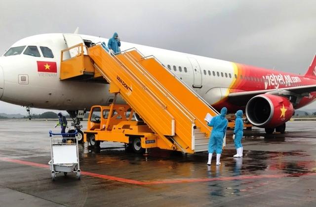 Quảng Ninh: Cảng Hàng không Quốc tế Vân Đồn hoạt động trở lại, hành khách bay được ưu đãi