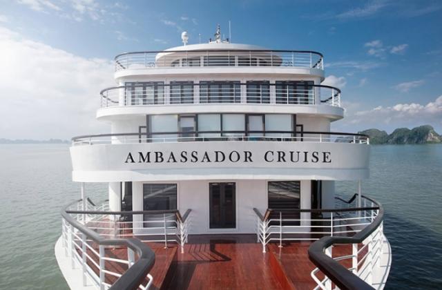 Quảng Ninh: Cách ly riêng biệt toàn bộ du khách và thuyền viên trên tàu du lịch Ambassador Cruisse