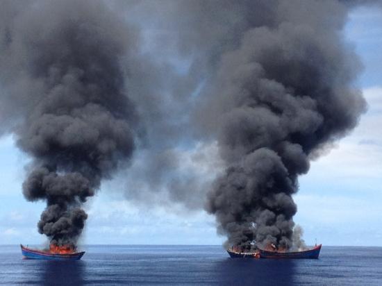 Xử lý nghiêm các tàu cá khai thác hải sản trái phép ở vùng biển nước ngoài