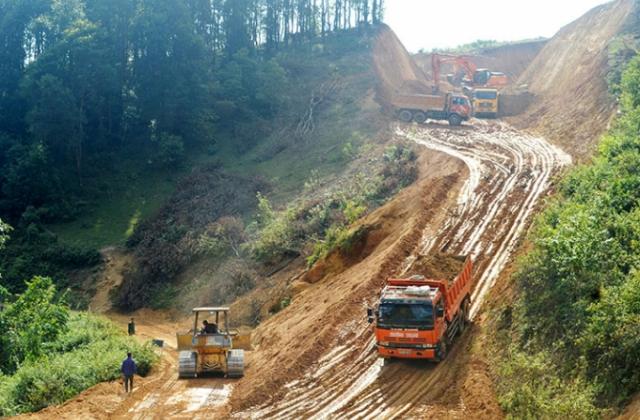 Lập hồ sơ dự thầu gian dối, Công ty vận tải Thành Sơn bị cấm đấu thầu 4 năm