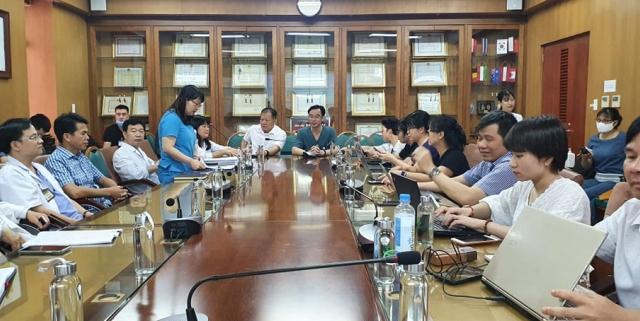 BV Bạch Mai họp báo liên quan đến việc giải thể đơn vị trực thuộc, hàng chục người thất nghiệp!