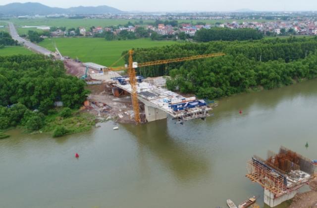 Dự án cầu Đồng Sơn tại Bắc Giang: Chất lượng thi công có vấn đề, trách nhiệm của Công ty Tân Thịnh ra sao?
