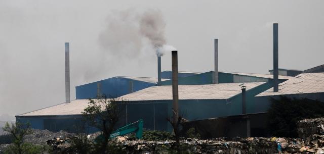 Xử lý ô nhiễm tại CCN Phú Lâm: Doanh nghiệp đủ báo cáo đánh giá tác động môi trường mới được phép hoạt động