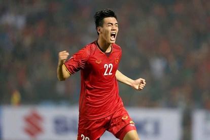 Video: Tiến Linh cũng bất ngờ về bàn thắng của mình vào lưới UAE