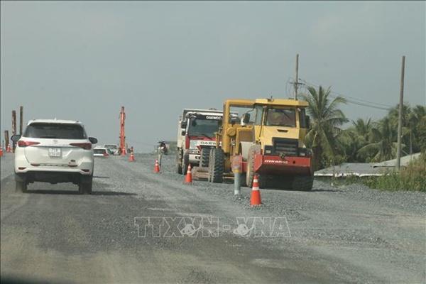 Nỗ lực hoàn thành dự án cao tốc Trung Lương - Mỹ Thuận vào cuối năm 2021