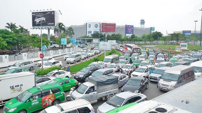 """Đề xuất không gắn hộp đèn với xe hợp đồng dưới 9 chỗ: Taxi truyền thống lo bị """"khai tử"""""""