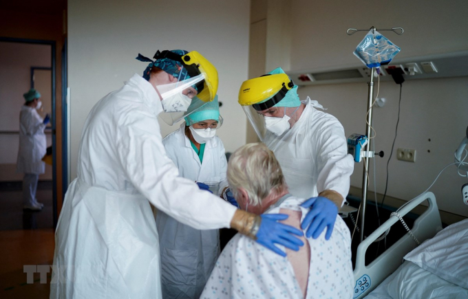 Bỉ và Đức lo ngại biến thể mới khiến đại dịch COVID-19 tái bùng phát