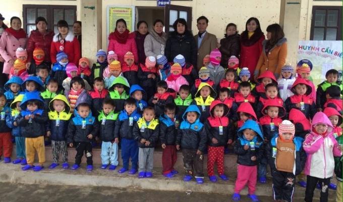 Xuân ấm áp với trẻ em vùng cao Nghệ An
